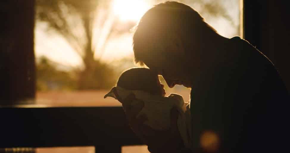 La commovente lettera di un papà lontano da sua figlia