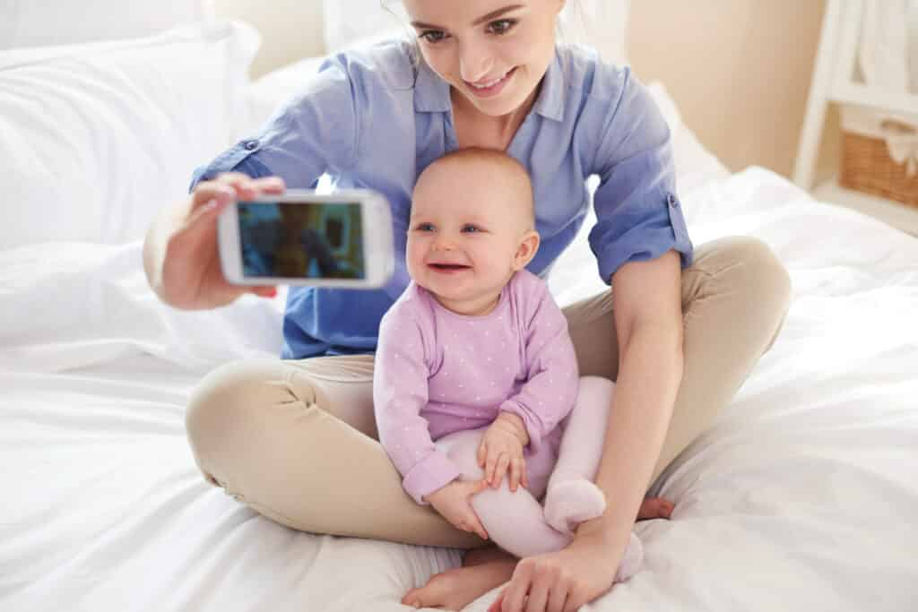 sharenting, attenzione alla gestione delle immagini dei propri figli